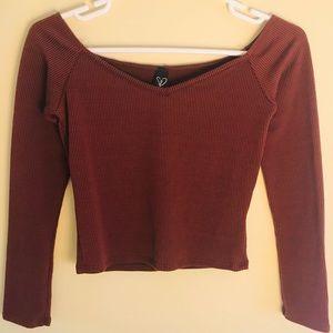 Windsor women's long sleeve burgundy v-neck top